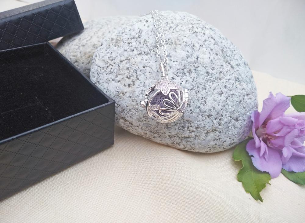 aroma šperk gulička s motýlom dekor