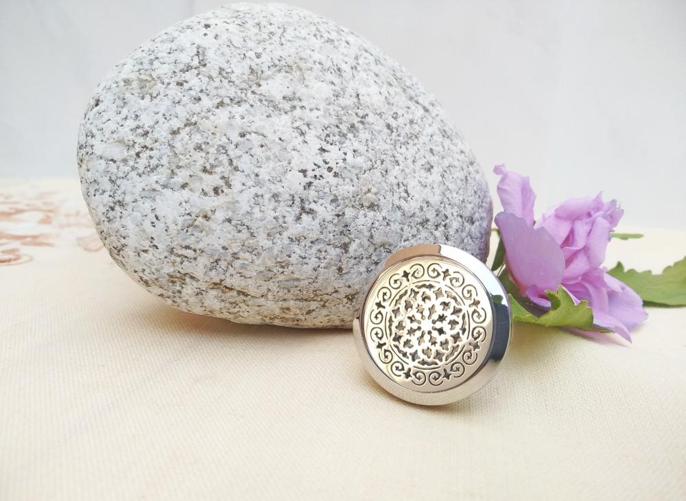aroma šperk difuzer do auta mandala dekor