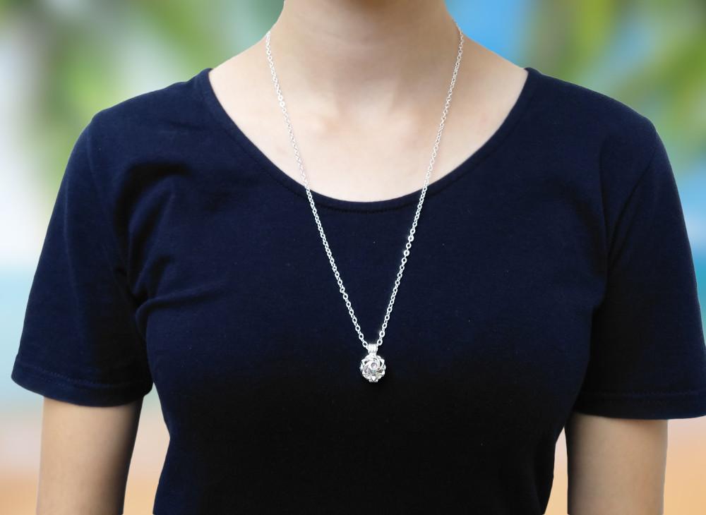 Aroma šperk morská panna postriebrený na krku