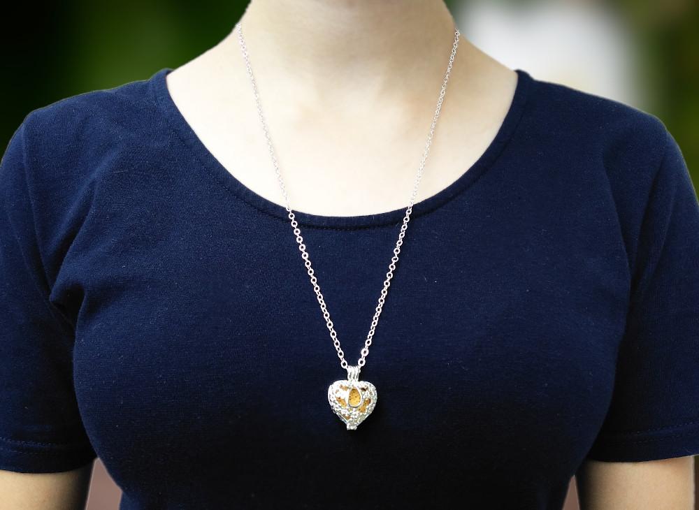 aroma šperk srdce kvietky postriebrený na krku