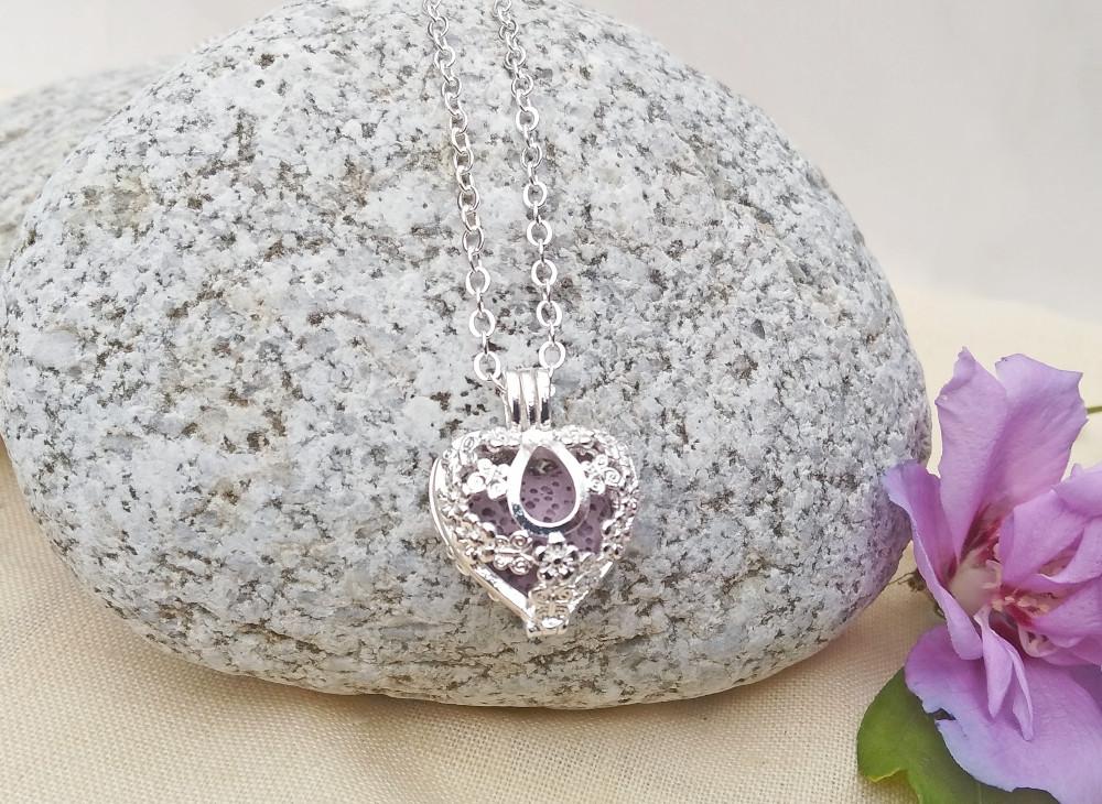 aroma šperk srdce kvietky postriebrený dekor 1